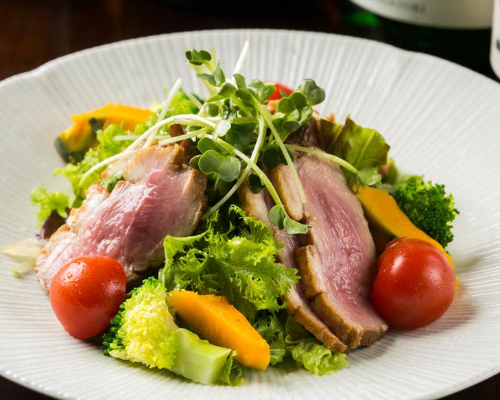 鴨ロースのサラダ